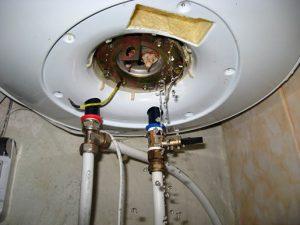 Потек бойлер что делать: водонагреватель Аристон и Термекс, если протекает снизу, потек бак сверху, видео