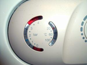 Почему падает давление в системе отопления и как его поднять