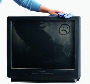 Чем протереть экран телевизора